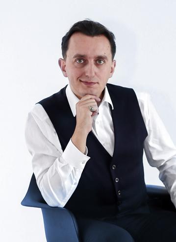 Денис Цветов